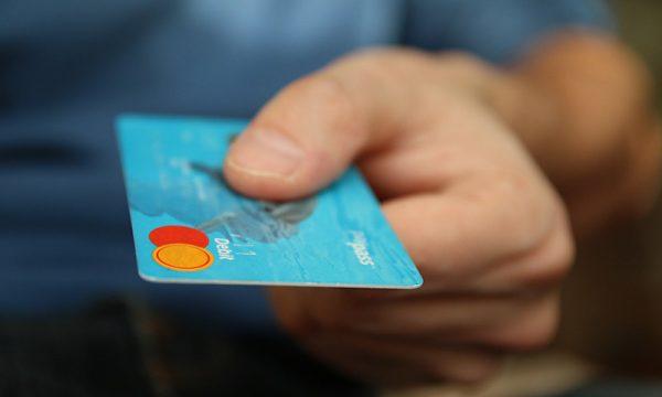 Como comprar dos EUA com cartão pré-pago
