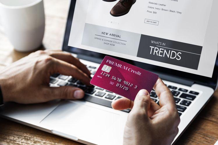vantagens e benefícios de ter um cartão internacional